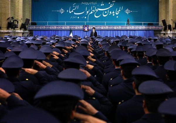 امامخامنهای: 22 بهمن امسال تماشایی خواهد بود