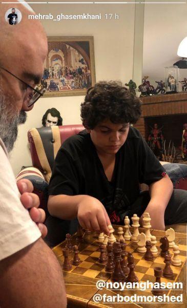 شطرنج بازی پسر قاسمخانی با جوکر + عکس