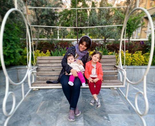 دختران شاهرخ استخری در آغوش عمه جانشان+عکس