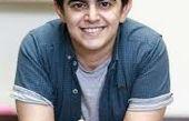 امیرمحمد در کافه بازیگر پیشکسوت