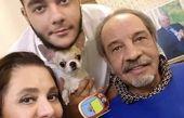 داریوش فرهنگ و خانواده اش در خانه + عکس