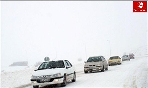 بارش برف در محور کرج - چالوس
