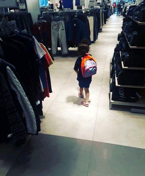 خرید کردن دختر کوچولو آزاده نامداری+عکس