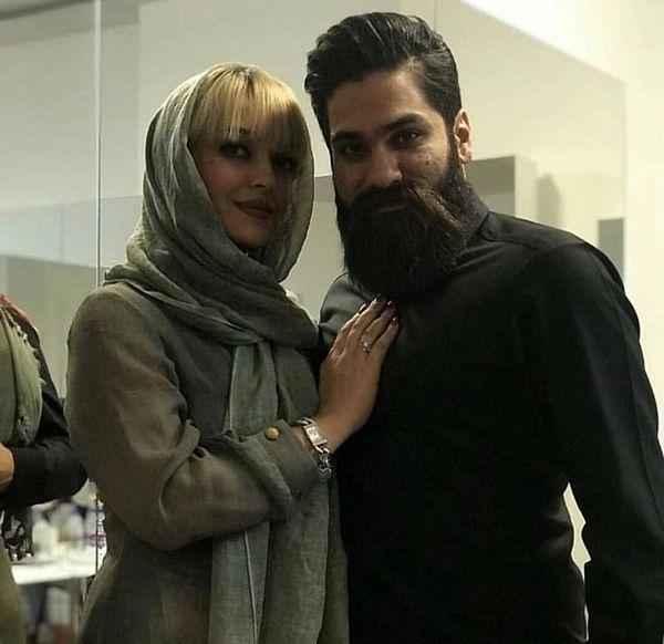 خواننده مشهور در کنار خواهرش + عکس