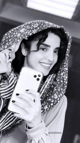 سلفی شاد الهه حصاری + عکس