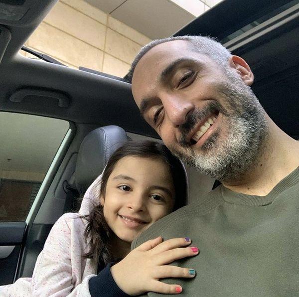 مشین سواری امیرمهدی ژوله و دخترش + عکس
