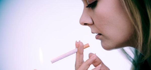 سیگار و قلیان چه بلاهایی بر سر زنان می آورند!