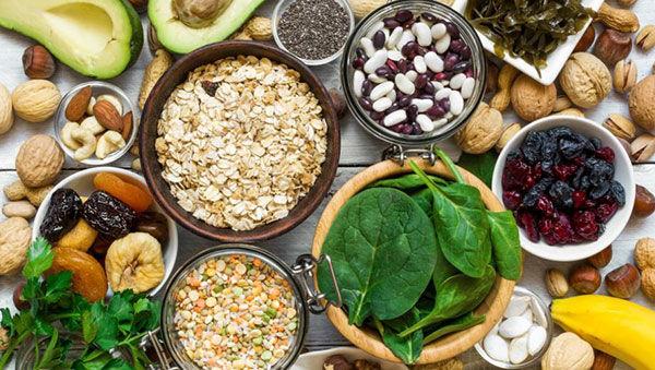 20 منبع غذایی حاوی منیزیم؛ انواع آجیل، میوه، سبزیجات، غلات و حبوبات دارای منیزیم