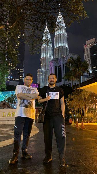 امیرعباس گلاب و دوستش در دبی + عکس