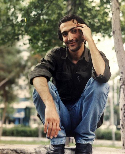 تیپ دهه شصتی هادی حجازیفر در جوانی /عکس