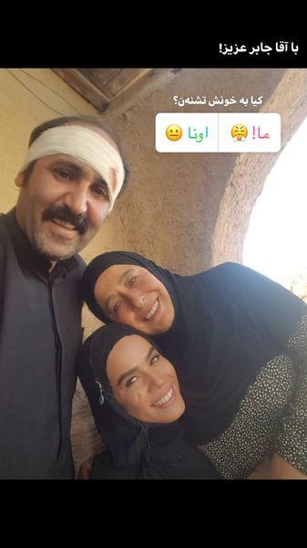 مادر دختر نجلایی در کنار آقا جابر عزیز + عکس