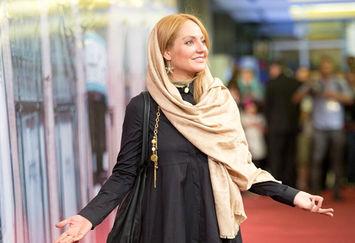 انتقاد کیهان از سلبریتیها: بیسوادهای دوتابعیتی!