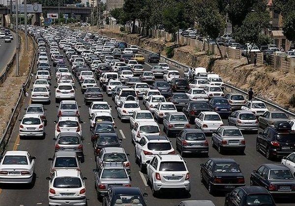 ترافیک در محور کرج - چالوس سنگین است