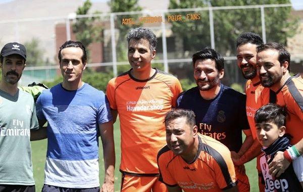 عادل فردوسی پور وفوتبالیست مشهور در زمین مسابقه + عکس