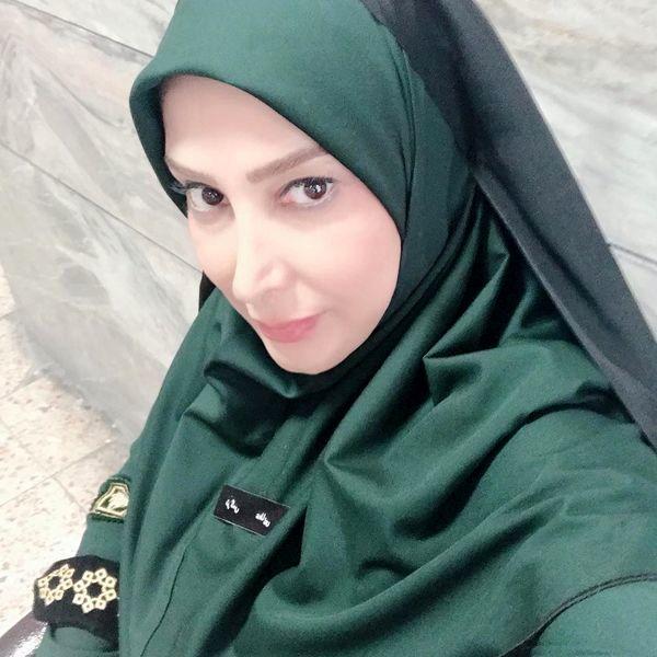خانم بازیگر در لباس پلیس + عکس