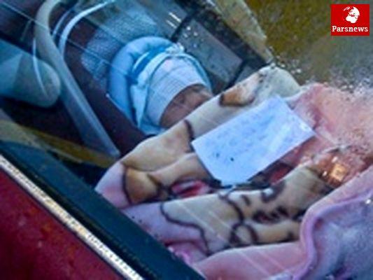انتشار تصاویر کودک رها شده در ماشین جنجال به پا کرد