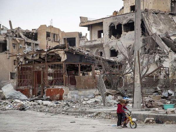 انگلیس مسئولیت تلفات غیرنظامی در رقه را نمیپذیرد