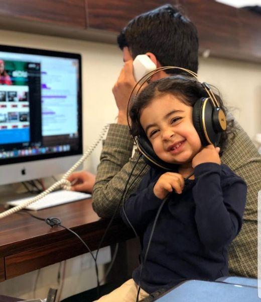 دختر بانمک حسین شمقدری در محل کار پدرش+عکس