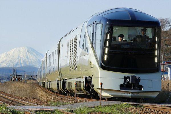 عذرخواهی بابت اشتباه ۲۰ ثانیهای در حرکت قطار ژاپنی