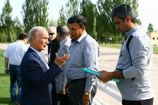 سوالات مهمی در مورد بی خبری افشارزاده از پیشنهاد به فرهاد مجیدی