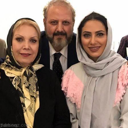 تیپ شیک مونا فرجاد در مهمانی با پدر و مادرش+عکس