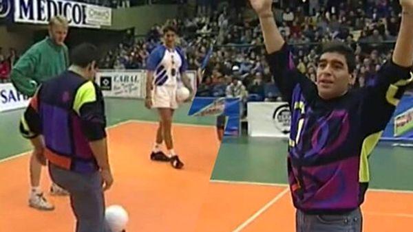 دیگو مارادونا در حال بازی کردن والیبال+ فیلم