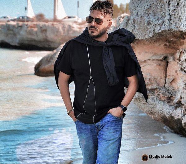 قدم زدن نیما شاهرخ شاهی در سواحل جزیره معروف + عکس