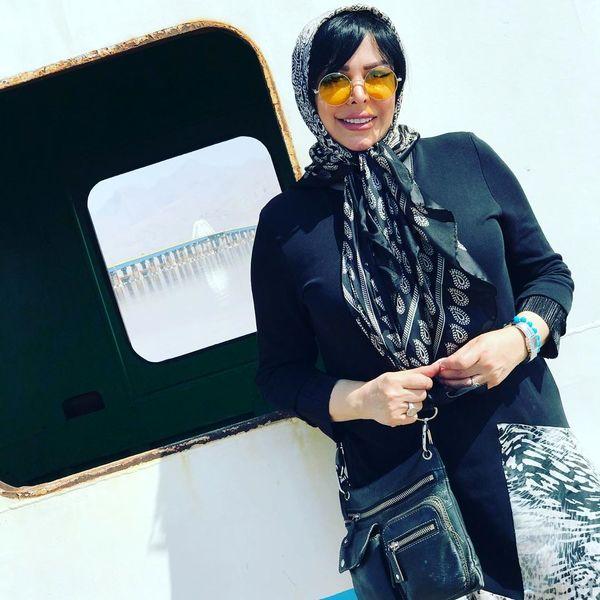 گردش فلور نظری در ارومیه با استایل جدید جوانانه اش+عکس