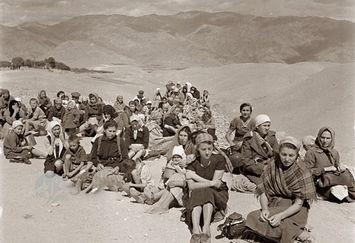 یک عکس بی تکرار تاریخی در صفحه تینا پاکروان