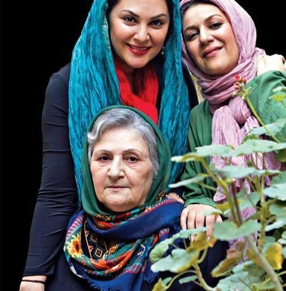 لاله و ستاره اسکندری کنار مادر زیبایشان+عکس