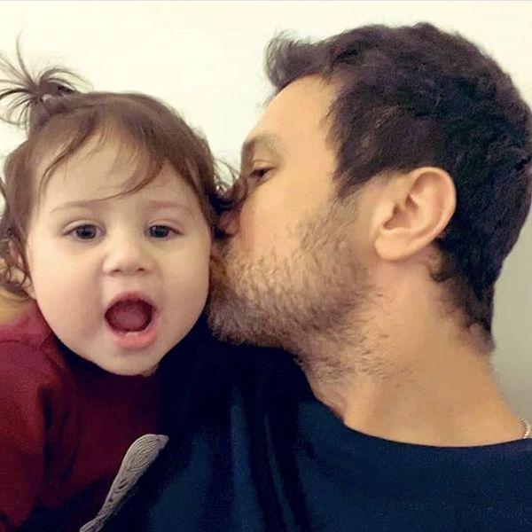 بوسه عاشقانه شاهرخ استخری + عکس
